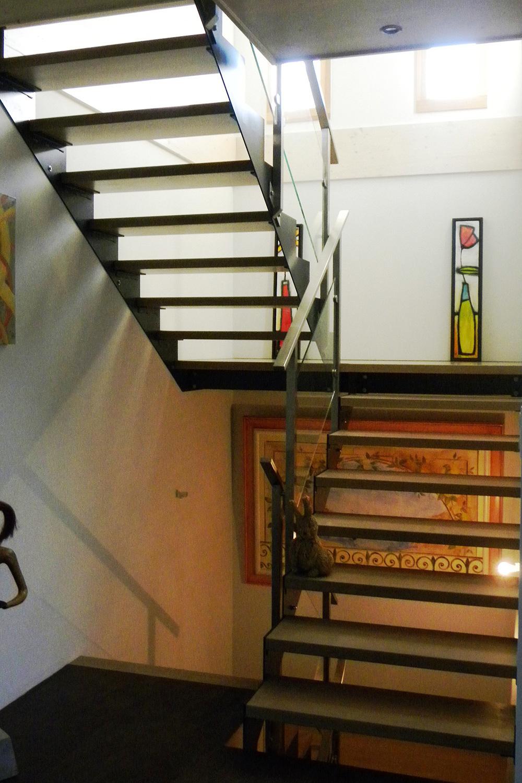 escalier jura pays de gex escalier bois contemporain. Black Bedroom Furniture Sets. Home Design Ideas