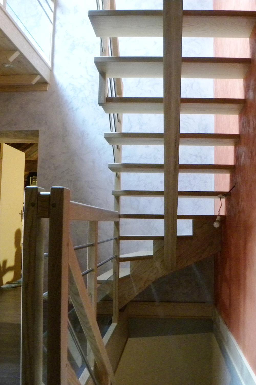 Escalier Bois Entre Deux Murs escalier traditionnels - fabrication, réalisation et pose